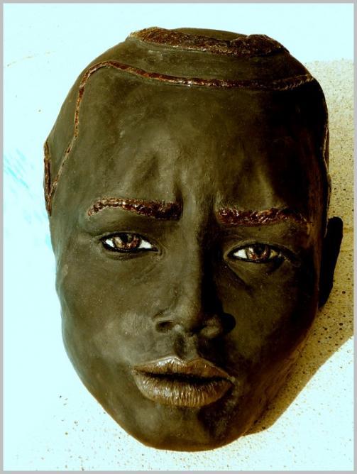 RAKU Femme Africaine de Virginie