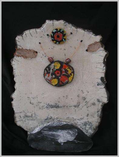 Vase raku blanc et couleurs